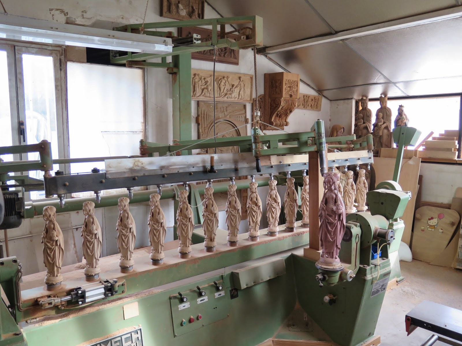 esculturas y moldes numa pantógrafo